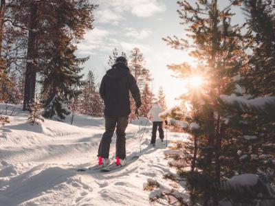 Outdoor Series: Skiing