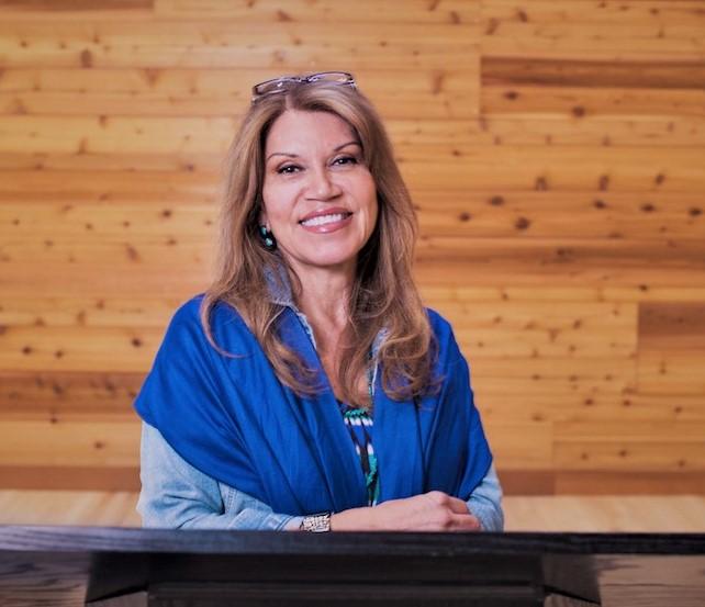Dr. Charlotte Coté